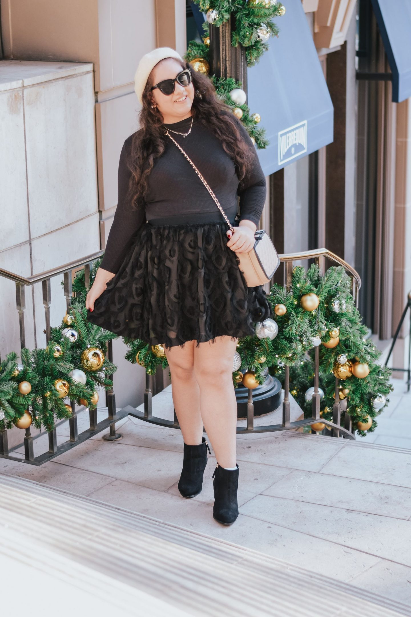 How To Wear A Neutral Outfit For The Holidays