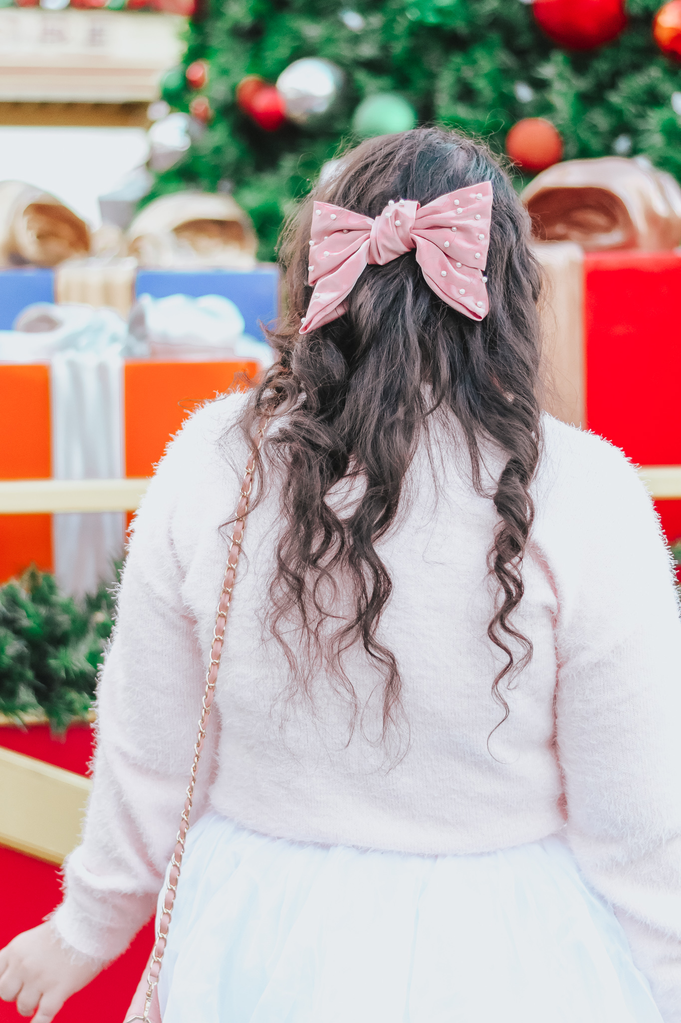 Styling a Pink Christmas Sweater For The Holidays
